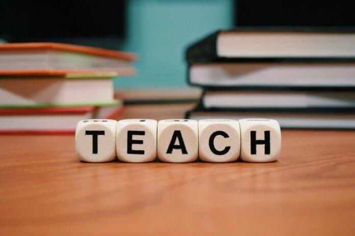 直播教學平台落伍了!混合式教學平台才是學生的最愛。不可不知的 OMO 教學模式