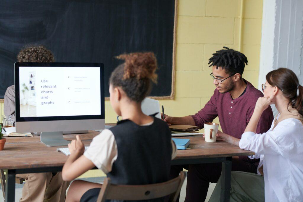 企業教育訓練線上課程,提升同仁 80% 學習力!